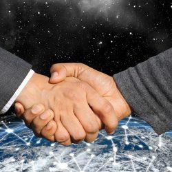 handshake-3641663_640